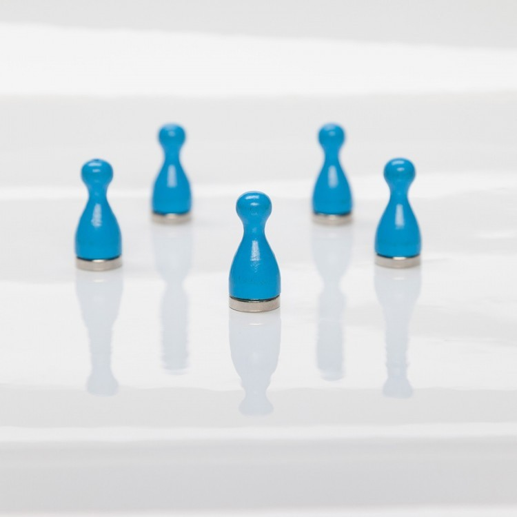 Practical powerful blue magnetic pawns from Groovy magnets with an elegant look.